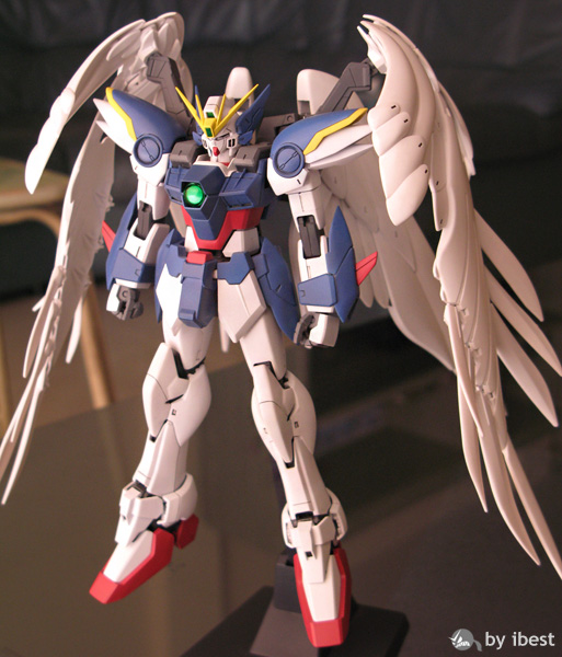 [MG] Wing Gundam Zero Custom กับการใช้ air brush ครั้งแรก โดย moobest